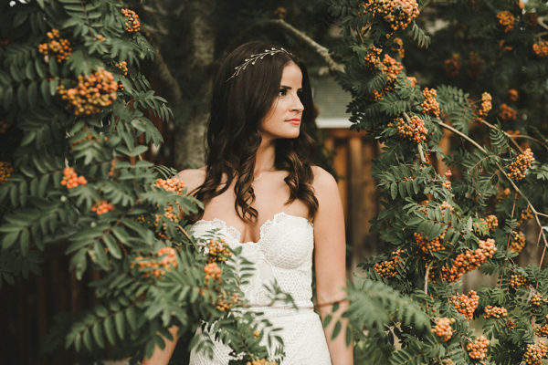 eclectic-boho-wedding-with-charming-rustic-touches-42-600x400