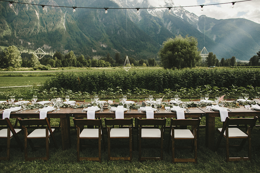 eclectic-boho-wedding-with-charming-rustic-touches-75