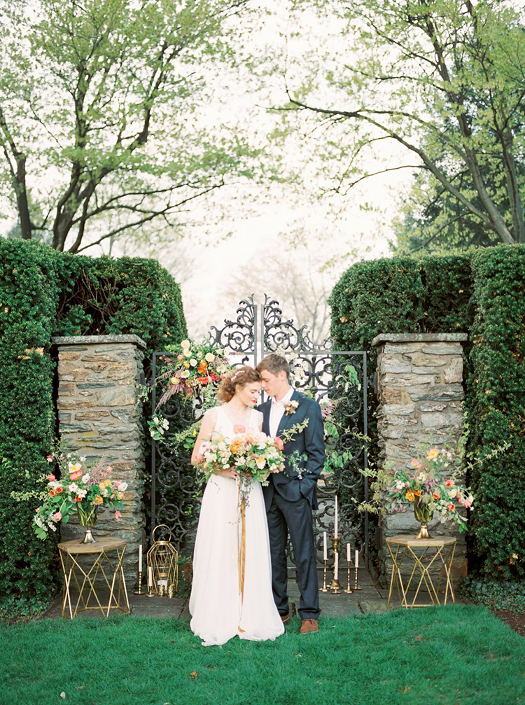 garden-estate-wedding-inspiration-with-delicate-poppies-42 (1)