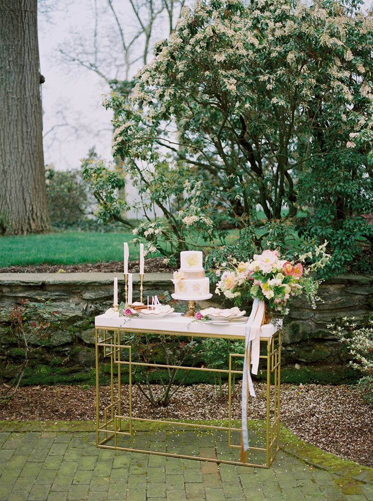 garden-estate-wedding-inspiration-with-delicate-poppies-70